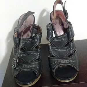 Women shoes size 91/2